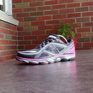 SZ 9 WMNS BROOKS PURE FLOW RUNNING SHOES